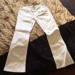 Arden B white jeans size 6 fitted boot cut